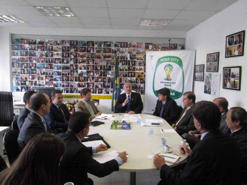 EUA conhecem estrutura para a Copa em Curitiba
