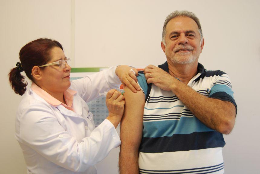 Paraná é primeiro lugar na campanha de vacinação contra a gripe no Brasil
