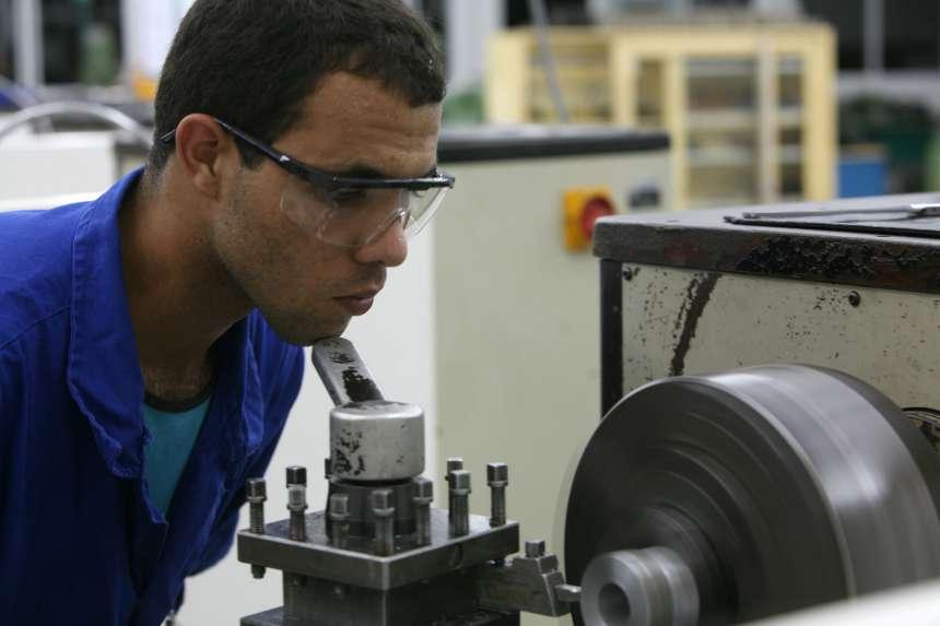 Paraná segue no topo do ranking brasileiro do emprego industrial