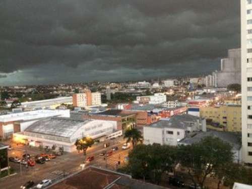 Chuva causa destruição em 18 cidades e deixa 160 desabrigados