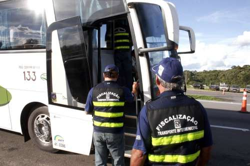 DER fiscaliza as condições de mais 3 mil ônibus no primeiro trimestre