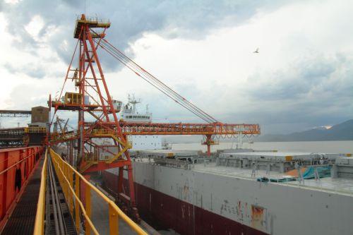 Exportação de soja triplica e chega a 460 mil toneladas em um mês