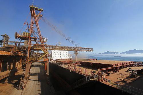 Exportação de soja por Paranaguá cresce 43% em agosto