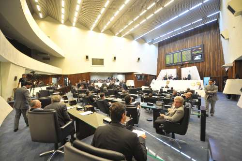 Assembleia aprova projeto que ajusta a previdência dos servidores
