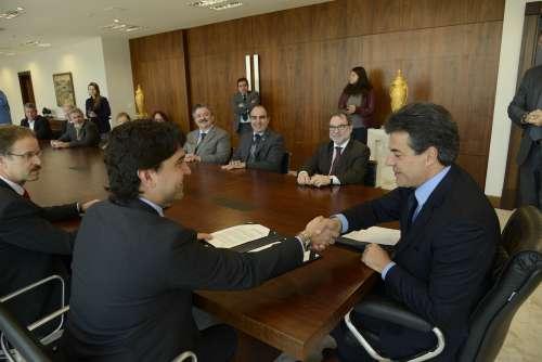 Governo capta R$ 122 milhões do FGTS para infraestrutura nos municípios