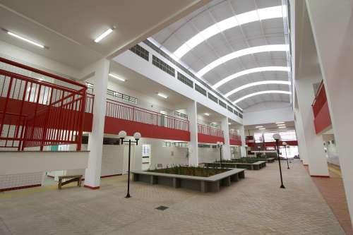 No Paraná, alunos começam ano letivo em novas salas de aulas e equipamentos