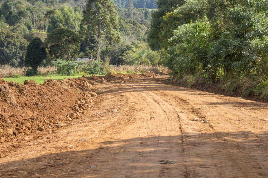MANUTENÇÃO DE ESTRADAS RURAIS | ÁGUA PARADA E CAVOCÃO