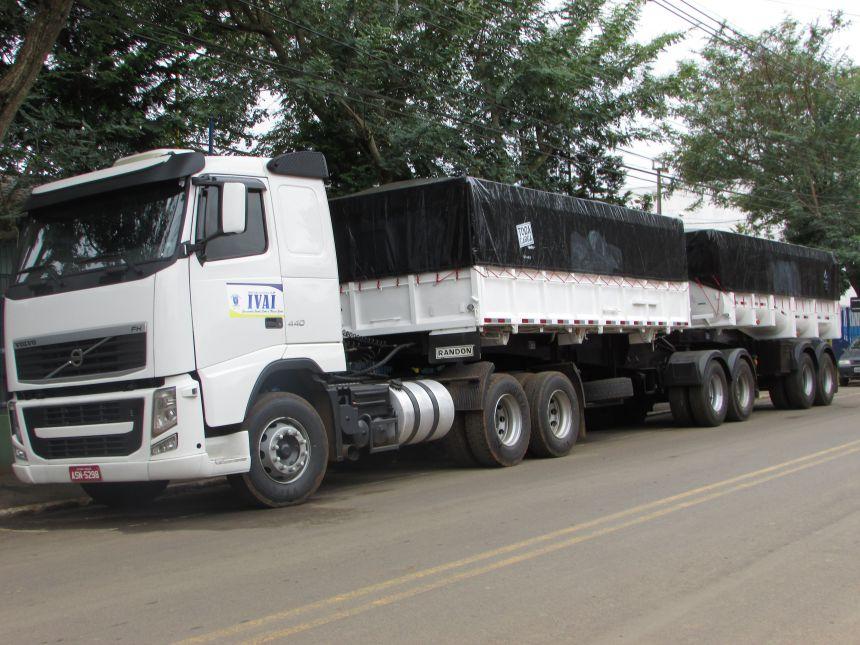Prefeitura adquire Caminhão Bi-caçamba
