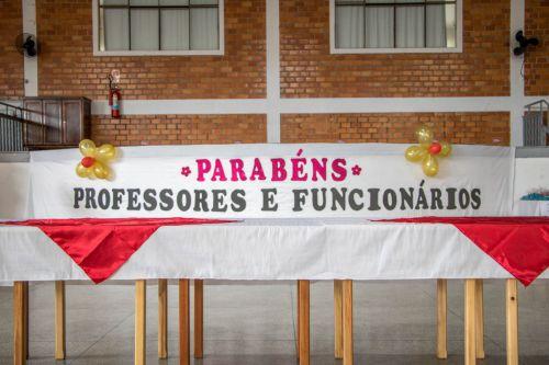 JANTAR EM COMEMORAÇÃO AO DIA DO PROFESSOR E FUNCIONÁRIO