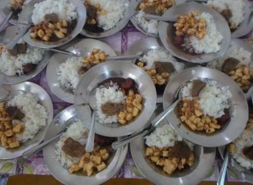 O Serviço de Convivência e Fortalecimento de Vínculos oferece alimentaçãopara 150 (Cento e cinquenta) crianças semanalmente.