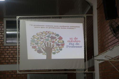 JANTAR COMEMORAÇÃO AO DIA DO PROFESSOR E FUNCIONÁRIO PÚBLICO