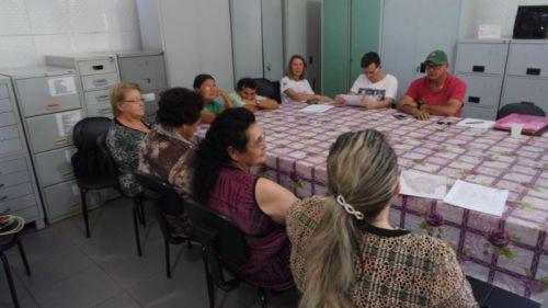 CONSELHO MUNICIPAL DE DIREITOS DO IDOSO REALIZA REUNIÃO