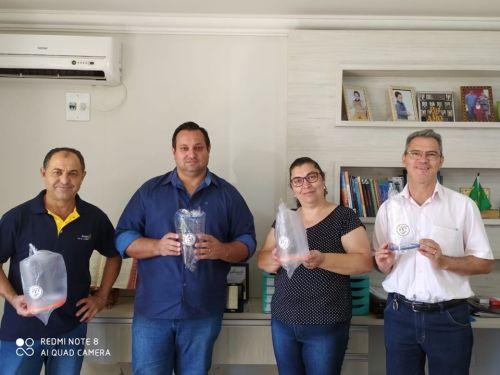 Protetores Faciais são doados aos funcionários do Centro de Saúde pelo Rotary Club