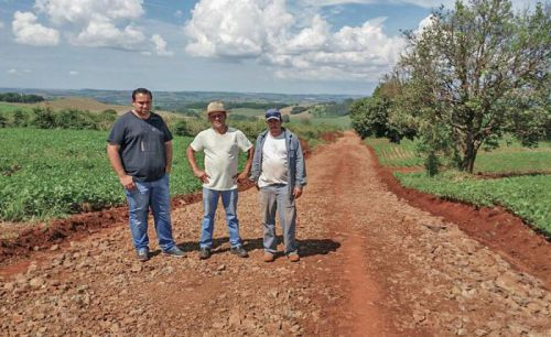 Lunardelli contabiliza mais de 30 quilômetros de estradas readequadas
