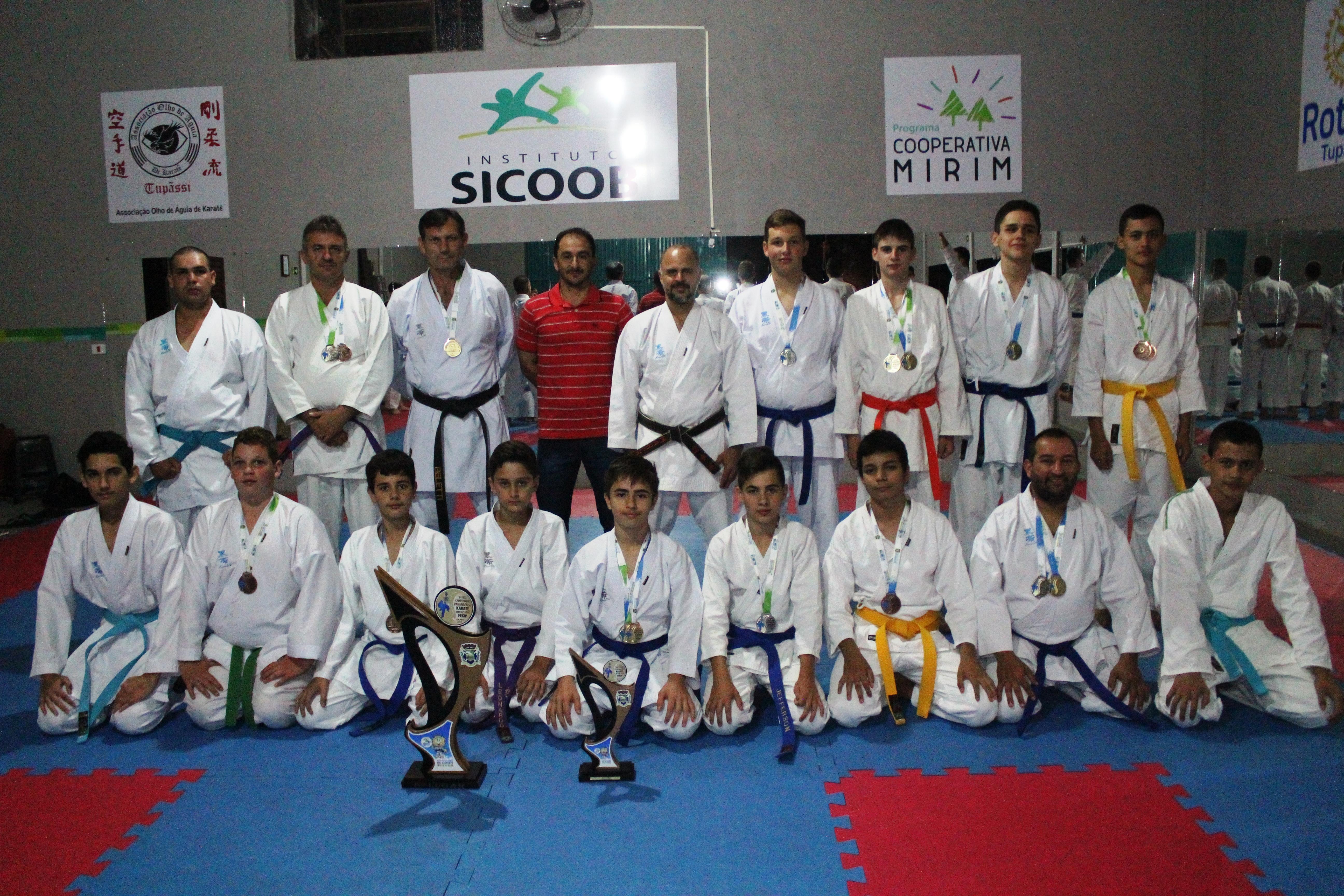 Atletas de Karatê conquistam 8ª colocação em Campeonato Paranaense
