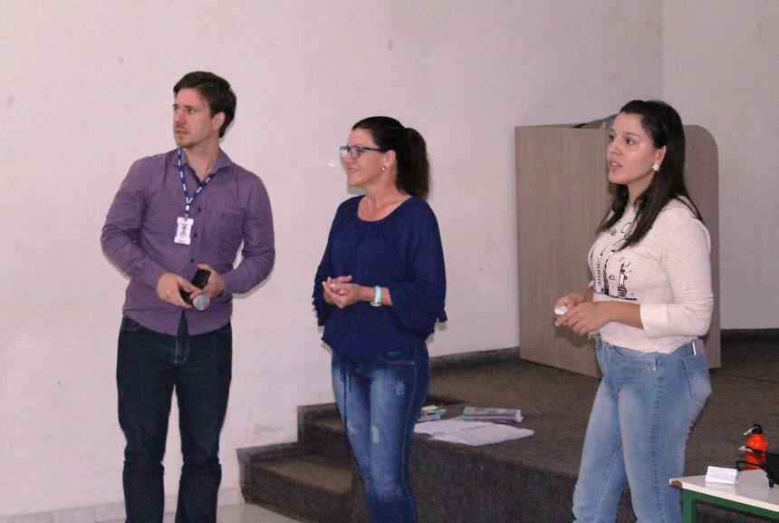Projeto Guayi realiza encontro com pais e adolescentes