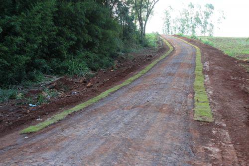 Estrada Rural: Calçamento poliédrico é entregue em Tupãssi