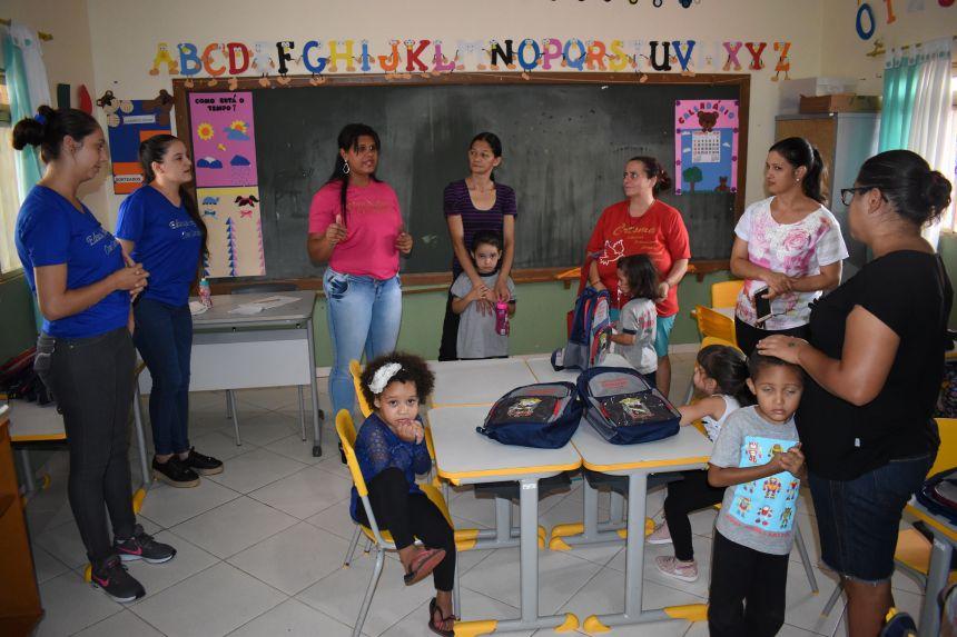 Autarquia de Educação distribui kit escolar a todos os alunos