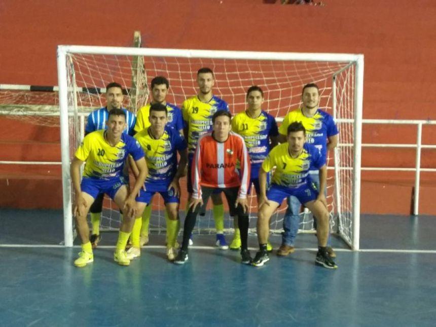 Equipe masculina de futsal representa o município em competição regional