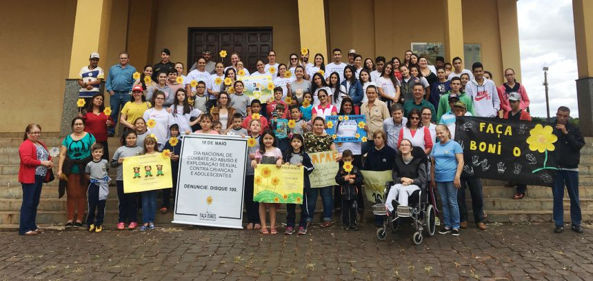 Evento reuniu pessoas de diversos setores da sociedade para lutar contra os crimes de abuso sexual de crianças e adolescentes