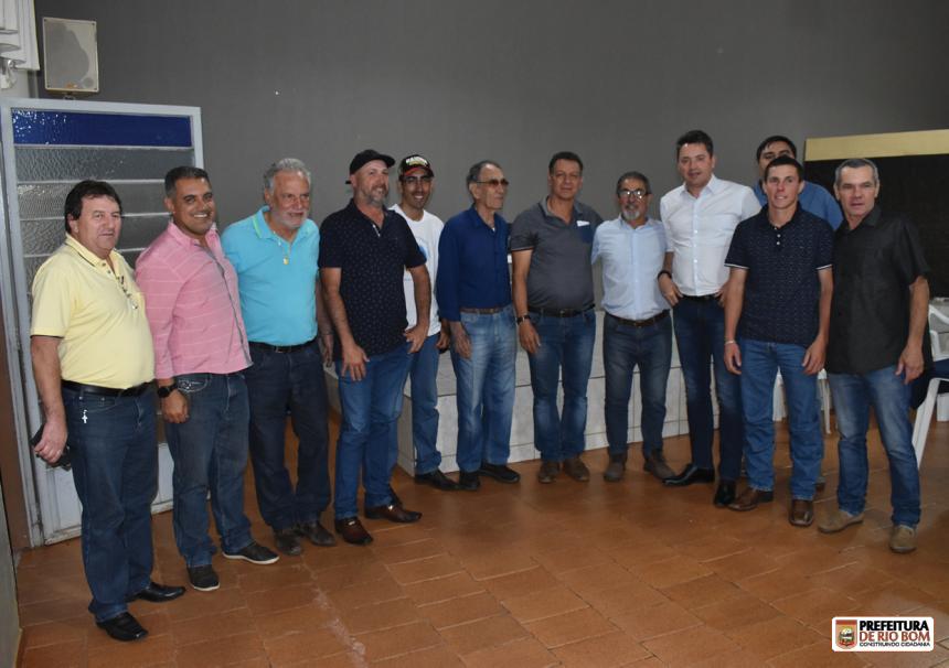 Prefeito Ene, deputado federal Sérgio Souza, vereadores, secretários e outros gestores políticos