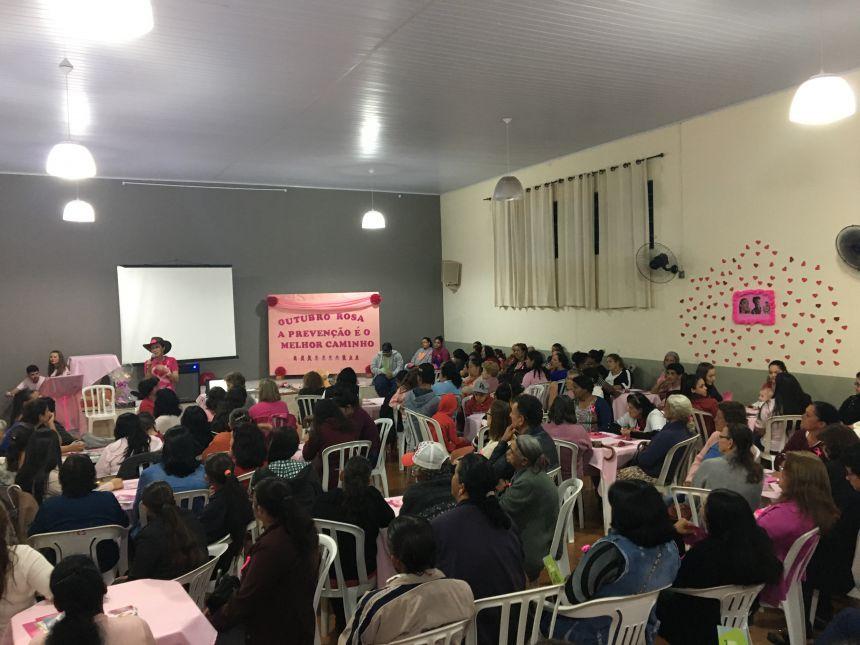 Evento em alusão ao Outubro Rosa reúne mais de 200 pessoas
