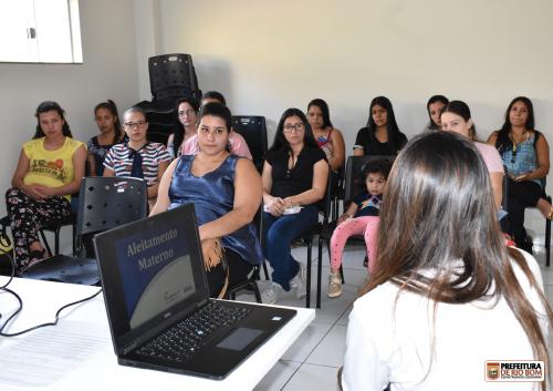 Grupo de gestante tem palestra com equipe do programa OdontoSesc PR