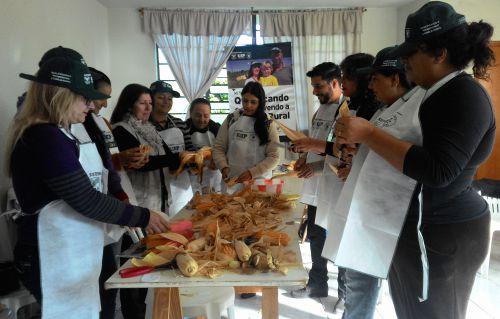 CRAS recebe curso de artesanato para produtores rurais