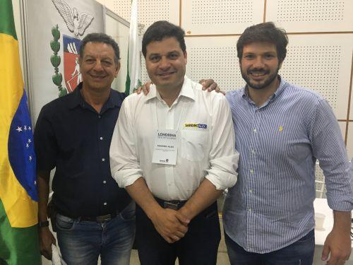 Na ExpoLondrina, o prefeito Ene Benedito Gonçalves (PDT) se reuniu com o secretário de estado da Infraestrutura, Sandro Alex, e o deputado estadual Tiago Amaral (PSB),  em busca de recursos