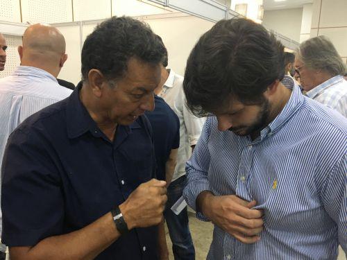O prefeito Ene Benedito Gonçalves (PDT) apresentou ao deputado estadual Tiago Amaral as demandas urgentes do município. Entre elas, as estradas e residências afetadas pela forte chuva do dia 14 de março.