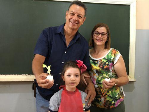 O prefeito Ene Benedito Gonçalves (PDT) e a primeira dama, Marlene Norbiato, receberam um incentivo da classe