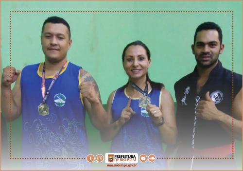 Alunos do professor Antônio Marcos da Silva da Academia de Kung Fu Wushu de Rio Bom conquistaram medalhas de ouro em competição regional da modalidade
