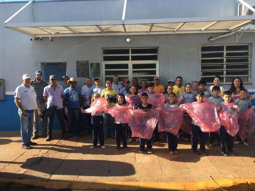 Comitê Municipal  de Combate à dengue e Escola Municipal Monteiro Lobato se uniram para dia de arrastão na cidade