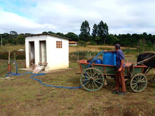 Combate à Estiagem: Prefeitura instala bombas d′água no interior do município