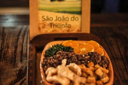 São João do Triunfo tem participação em livro de receitas dos Campos Gerais