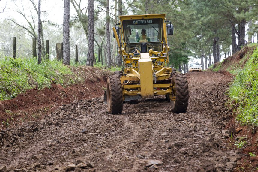 Recuperação Estrada Rural Jamaica e Pinhalzinho