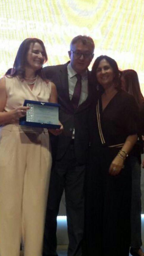 Secretaria de Educação e Cultura de Ribeirão Claro recebe prêmio JEEP Sebrae