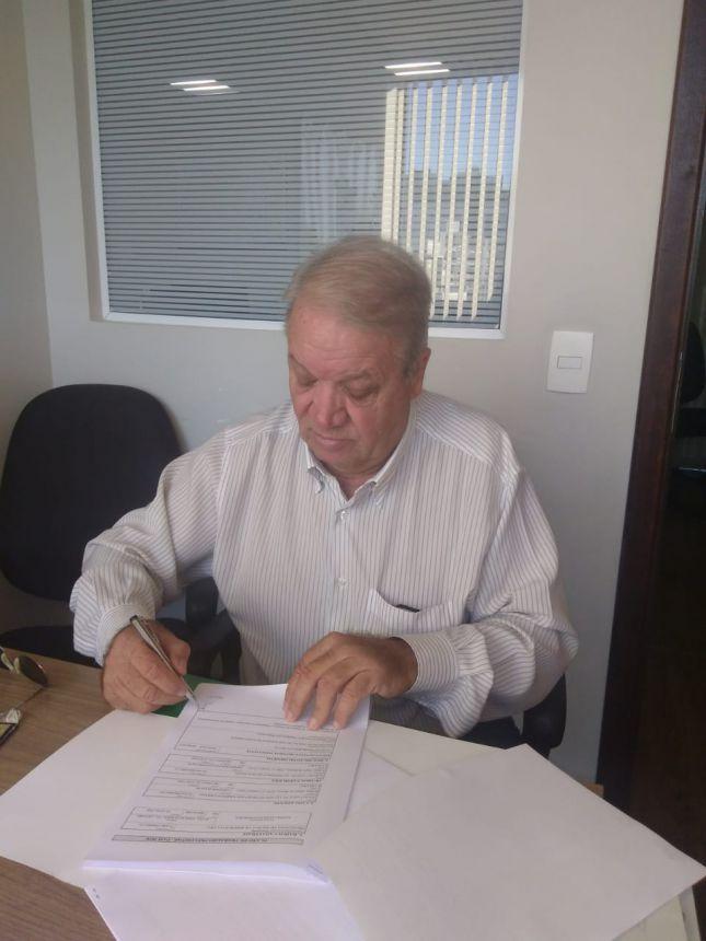 Mario Pereira assina convênios no valor total de R$ 645 mil
