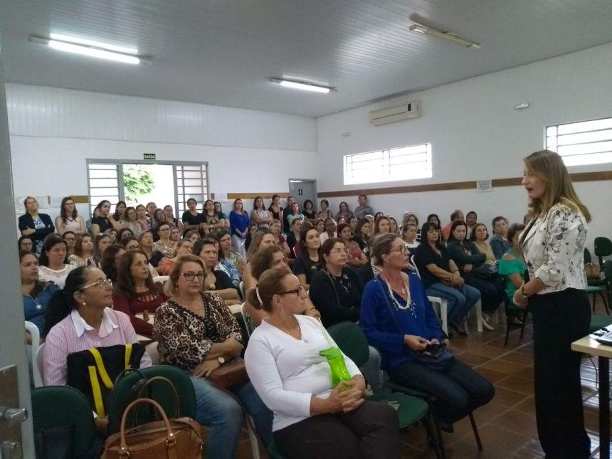 Secretaria de Educação promove distribuição de aulas na Rede Pública Municipal