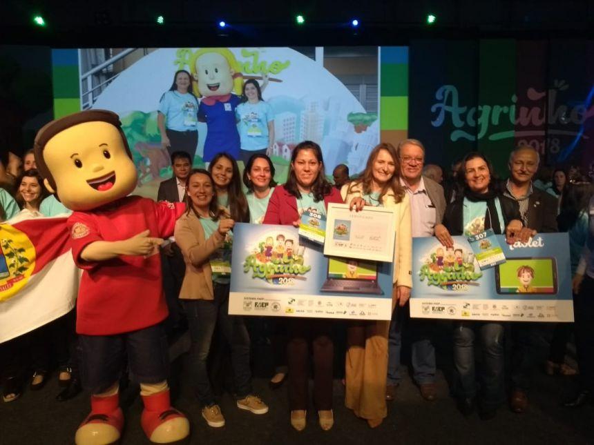 Ribeirão Claro é premiado nas categorias Município e Escola Agrinho