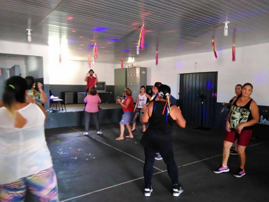 Grupos do Serviço de Convivência e Fortalecimento de Vínculos participam de carnaval