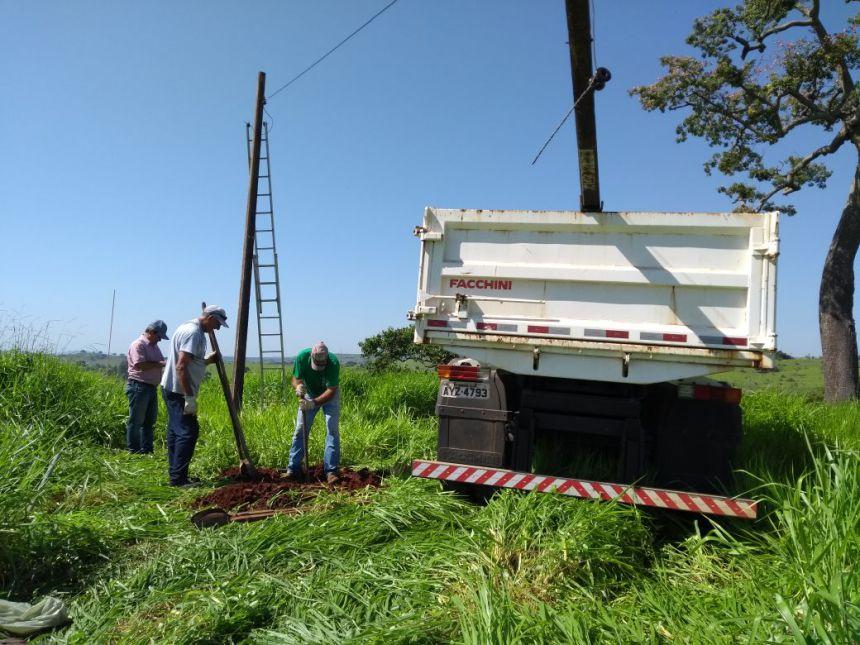Ribeirão Claro Bairro Oliveiras recebe antena de internet sem fio da prefeitura