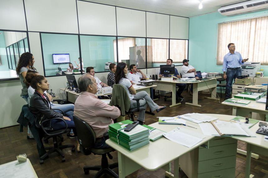 Prefeitura de Ribeirão Claro incentivará participação de empresas locais em licitações