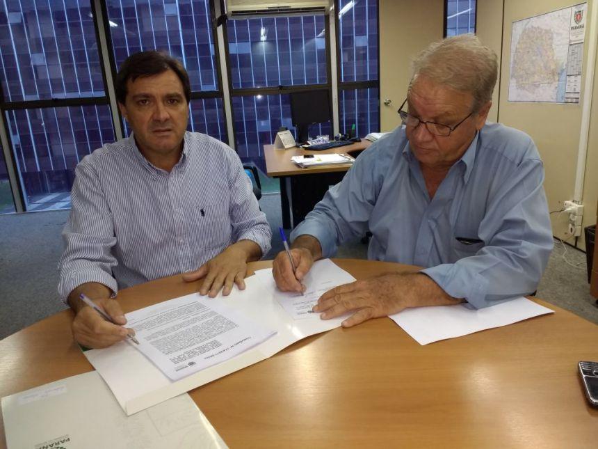Mario Pereira assina dois convênios com a SEDU e traz mais R$ 500 mil a Ribeirão Claro