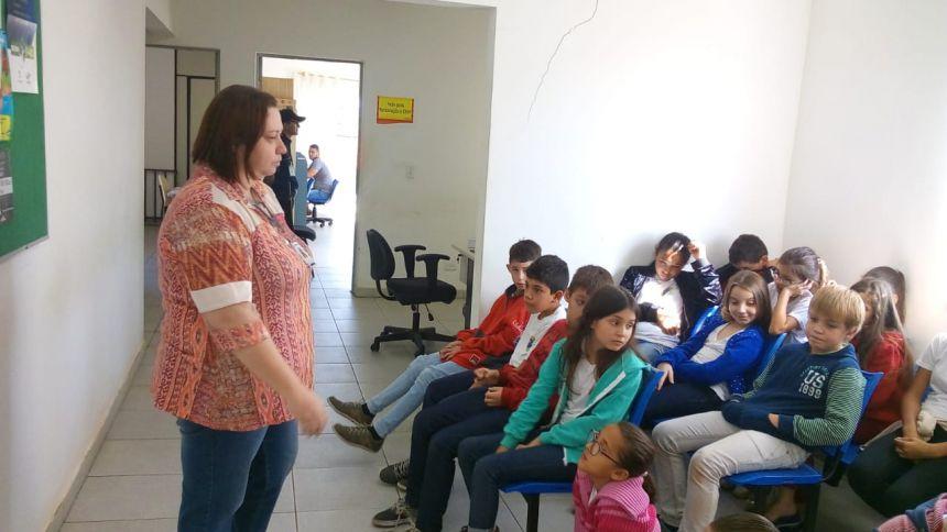 Correia Defreitas promove projeto para tornar transporte escolar mais eficiente