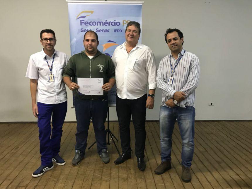 Entrega de certificados curso Operador de Computator