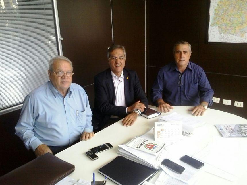 Prefeito solicita verba para restauração de rodovia municipal e apresenta solução para Curva da Morte