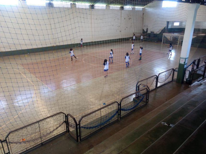 Prefeitura inicia escolinha de futebol feminino