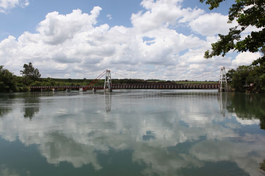 Ponte Pênsil Alves Lima