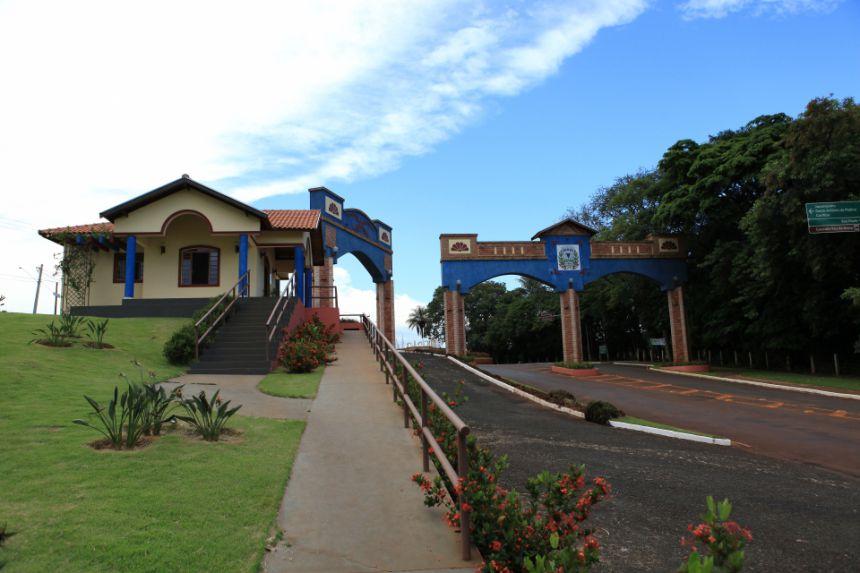 Centro de Informações Turísticas e Portal